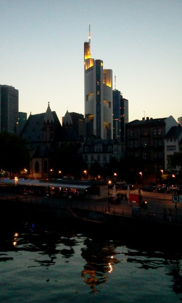 frankfurt_by_night.jpg